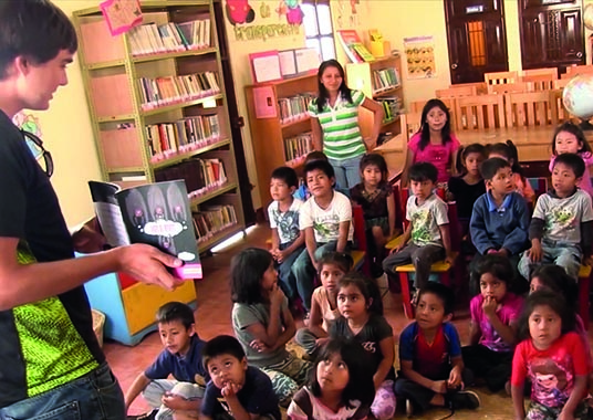 (video) Volunteer in Antigua, Guatemala